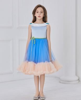 一字领蓝色裸色网纱拼接连衣裙公主裙