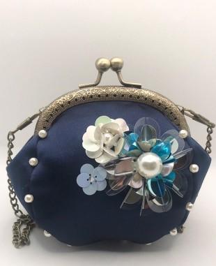 深蓝色缎面钉珠链条包