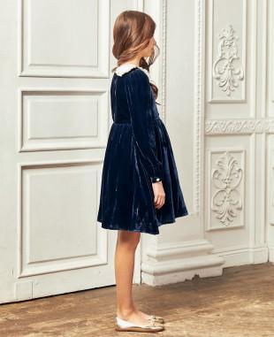 深蓝色金丝绒白色领子连衣裙